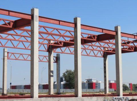 Одноэтажное промышленное здание с железобетонным каркасом