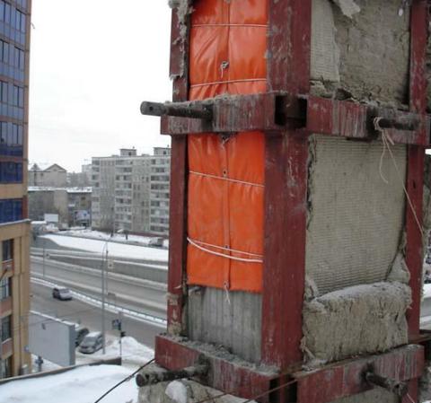Прогрев забетонированной колонны с помощью термомата