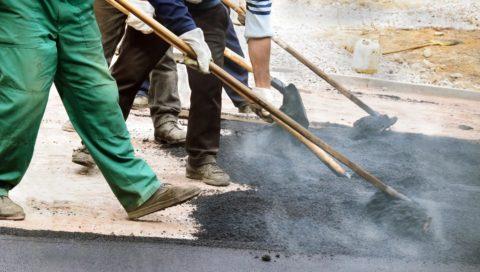 Смеси асфальтобетонные дорожные горячие:укладка