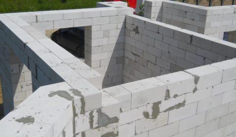 Кладка наружных стен в два блока