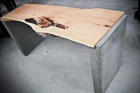 Основание стола из бетона