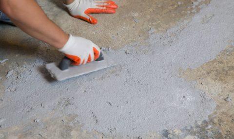 Отремонтированные трещины в бетоне - затирка из обычного цементно-песчаного раствора