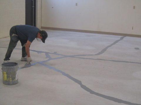 Ремонт трещин в бетоне - заглаживание