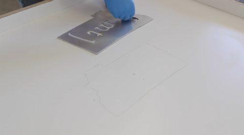 Удерживать металл при заливке будет силикон