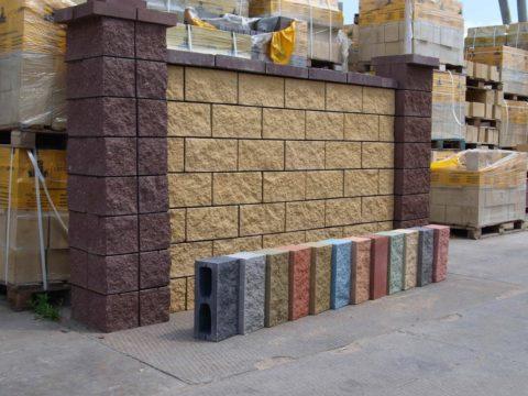 Блок с техническими отверстиями облицовочный цветной