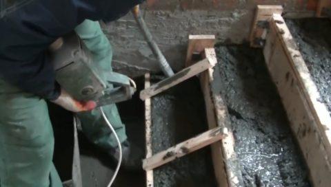 Глубинный вибратор уплотнит смесь