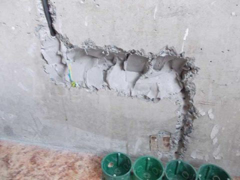 Как установить подрозетник в бетон – не жалеем раствора, как на фото