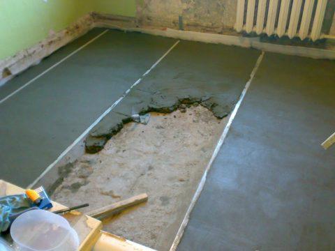 Как выровнять бетонный пол под ламинат