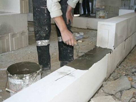 Кладка стен из пазогребневых блоков
