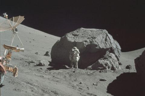 Когда-нибудь и на Луне появятся рукотворные постройки