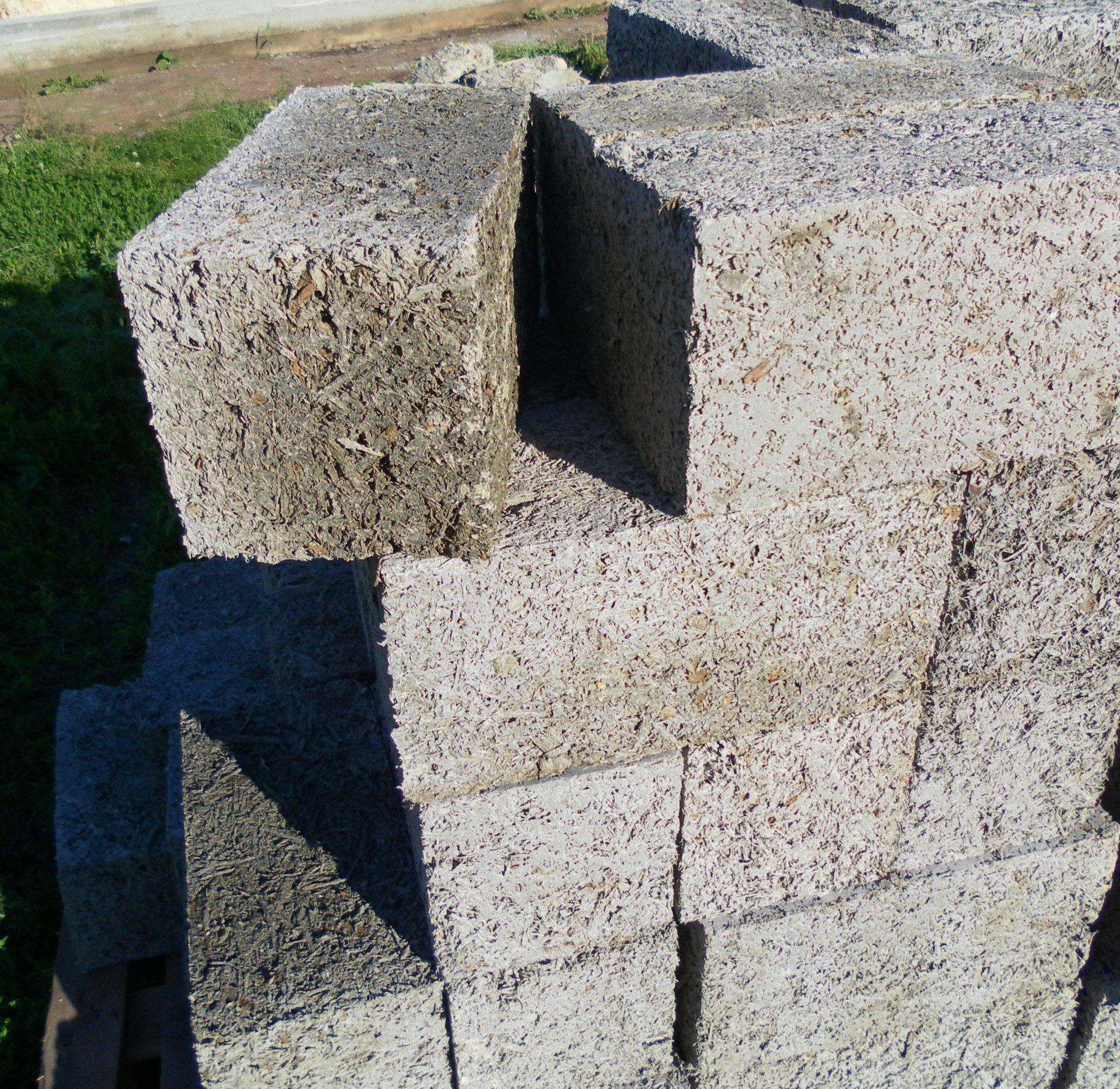 Бетонный строительный блок