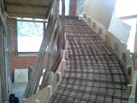 Монолитная лестница железобетонная – размеры подбираются индивидуально