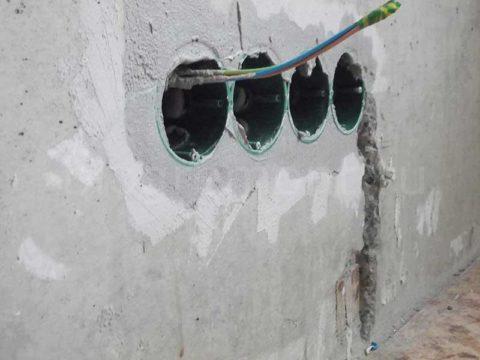 Правильное крепление подрозетника в бетонной стене