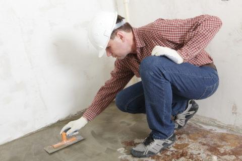 Заглаживание свеженалитой бетонной поверхности