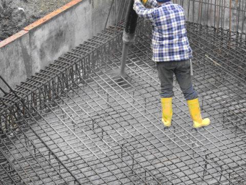 Модифицированные бетоны заливаются в густоармированные конструкции