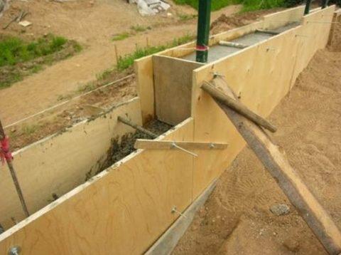Поэтапная заливка стен