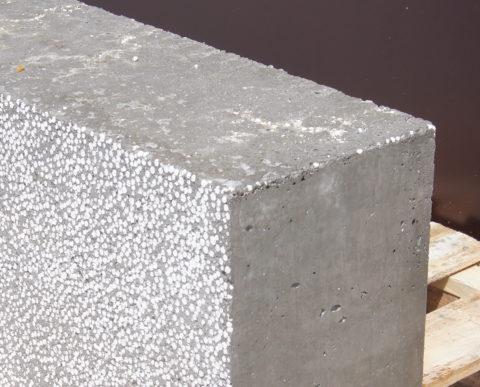 Теплый и легкий полистиролбетонный блок
