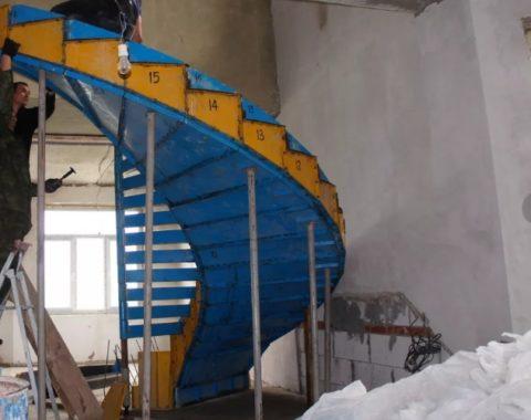 Профессиональная заводская опалубка для винтовых бетонных лестниц
