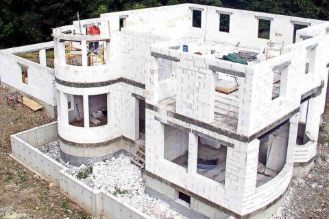 Возведение стен газобетонного дома