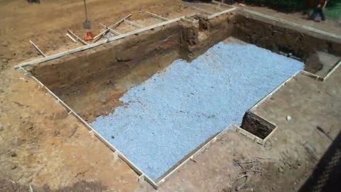 Строительство бассейнов бетонных – гравийная подушка