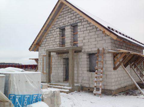 Дом с мансардой – самый актуальный вариант для семьи